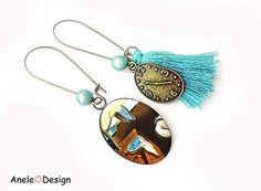 Boucles d'oreilles asymétriques les montres molles de Dali #jewelry #tassels #earrings #cute #watches #watchlover #sky #skyblue Dali, Tassel Necklace, Art Nouveau, Drop Earrings, Jewelry, Summer, Unique Gifts, Ears, Wristwatches