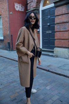 Pre order - the classic coat camel - style - Fall Outfit Mode Outfits, Fashion Outfits, Harajuku Fashion, Fashion Advice, Fashion Clothes, Camel Coat Outfit, Long Coat Outfit, Fashion Mode, Fashion Trends
