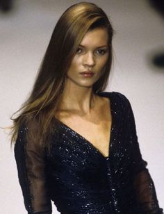 kate moss and others Moss Fashion, Fashion Beauty, Ella Moss, 90s Models, Fashion Models, Kate Moss Hair, Kate Moss Style, Queen Kate, Moda Chic
