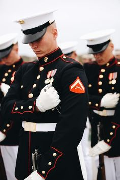 """""""So much more than just a uniform, it's a symbol of honor, courage and commitment."""" Courtesy of United States Marine Corps ❥-Mari Marxuach Parrilla Once A Marine, Marine Mom, Us Marine Corps, Marine Tattoo, Military Love, Men In Uniform, Us Marines Uniform, American Soldiers, American Pride"""
