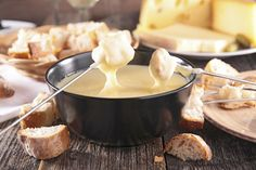Fondue can be just as much fun to make as it is to eat! This is a basic cheese fondue recipe that is extremely versatile. Make this cheese fondue in a matter of minutes over the stovetop or directly in your fondue pot. Best Cheese Fondue, Swiss Cheese Fondue, Gruyere Cheese, Comte Cheese, Queso Brie, French Dishes, Cooking Chef, Melted Cheese, Gastronomia