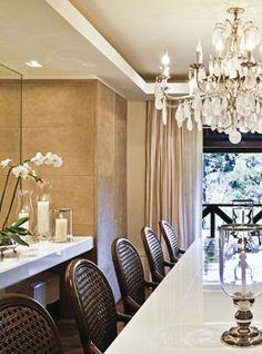 Sala de Jantar - aparador em laca branca - interessante!