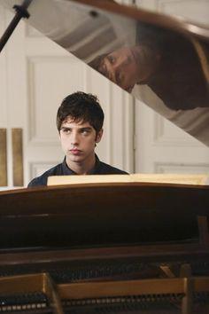 The Fosters 1.09 Sneak Peeks: Callie Enlightens Brandon on Being a Foster Child