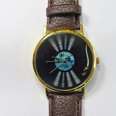 Vinilo Vintage jugador reloj reloj de cuero de estilo Vintage, tocadiscos, disco de vinilo, reloj Unisex, novio, reloj reloj hombres, reloj de señoras Naves en todo el mundo Tipo: cuarzo Ajustable de 16.5 cm a 20,3 cm (6,50 pulgadas a 8.0 pulgadas). Si de