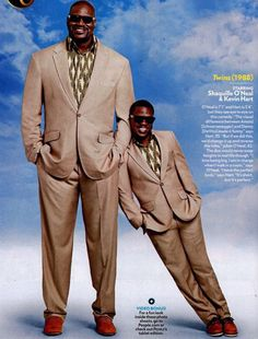 Check out People Magazine's video of Shaquille O'Neal and Kevin Hart as they fill Arnold Schwarzenegger's and Danny DeVito's big (and small) shoes in a hilario… Kevin Hart, Twins 1988, Classic 80s Movies, 80s Movie Posters, Lab, Tall People, Hits Movie, Hilario, Nba Stars