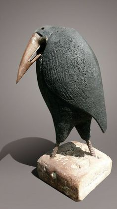 animal sculptures Hitesh Durgani by Christian Pradier Ceramic Birds, Ceramic Animals, Clay Animals, Ceramic Art, Crow Art, Raven Art, Bird Art, Pottery Sculpture, Bird Sculpture