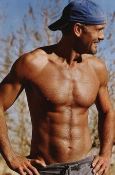 Oh, hello there, Tim McGraw. When you think Tim McGraw. Tim Mcgraw Shirtless, Country Singers, Country Music, Country Artists, Country Concerts, Hot Men, Hot Guys, Sexy Guys, Look At You