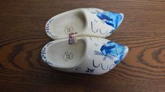Hand Painted Blue on White Dutch Wooden Shoes 14 cm 20/21 MADE IN HOLLAND / EUC