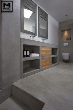 Betonstuc badkamer met verzonken bad industriële badkamers van molitli interieurmakers industrieel   homify Bathroom Inspiration, Bathrooms Remodel, Bathroom Toilets, Bathroom Decor, Home, Interior, Bathroom Design, Concrete Bathroom, Bathroom Shower Tile