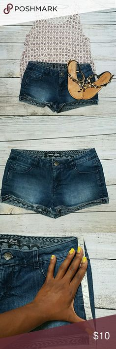 Aztec print jean shorts These lovelies were a thrift find! :) so cute! Too bad I outgrew them.  They say size 11 junior's,  but honestly,  they're more like an 8 women's.  Measurements as shown.  They're about 19in at their widest point,  so hip width 38 in. See bundle listing for discounts! Shorts Jean Shorts