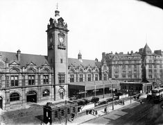The 11 most famous buildings that Nottingham has lost - Nottinghamshire Live Nottingham City, Council House, Old Train Station, Disused Stations, Famous Buildings, Uk Images, History Of Photography, Leicester, Old Photos