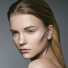 Na koniec tygodnia kilka zdjęć Beauty. Modelka: @ankazarzyckaa  Make-up: @jenny_prankster |  #hajdukphoto #hajdukphoto_beauty #advertising #cosmetics #makeup  #warsaw #warszawa