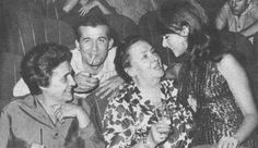 Cinema Theatre, Che Guevara, Couple Photos, Film, Couples, Greek, Quotes, Cinema Movie Theater, Couple Shots