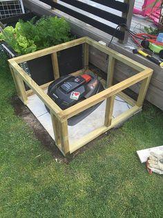 Diy Garage, Garage Doors, Automatic Lawn Mower, Yard Tools, Garages, Wood Projects, Outdoor Decor, Gandalf, Dom