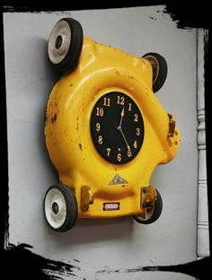 Upcycled lawnmower clock