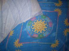 Día 26: Donde dormí (Where I slept). #FMSPhotoADay  En la cama de mi hermana (On my sister's bed)