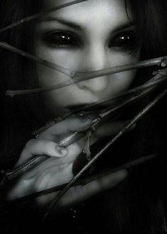 Dark Alien.    http://en.calameo.com/read/003261369f3a4ebfdbffb
