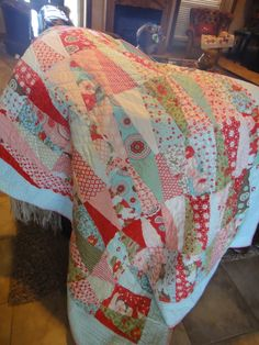 A gorgeous handmade quilt by Honeylamb! LOVE IT!