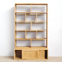 jual Rak Buku Minimalis Pintu Sliding Terbaru, dengan pintu geser dua dan bentuk rak buku diagonal, bisa di gunakan untuk penyekat ruangan.