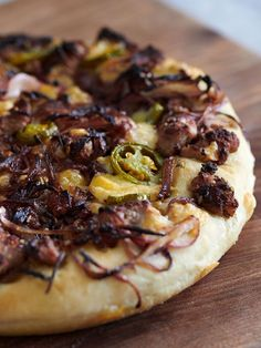 Cheat's deep-pan pizza | Jamie Oliver recipes Naan, Jamie Oliver Pizza, Jaime Oliver, Pizza Recipes, Cooking Recipes, Vegetarian Recipes, Meat Recipes, Yummy Recipes, Recipes