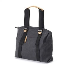 Qwstion has always liked simple holdalls, but also the comfort of a backpack when carrying some weight. Our new Simple Ziptote offers both. With a volume suited for daily use, an outside and some inside pockets and our Simple-Strap-System®, you get lots o Sophisticated Style, Laptop Bag, Classic Style, Messenger Bag, Gym Bag, Satchel, Backpacks, Tote Bag, Stylish