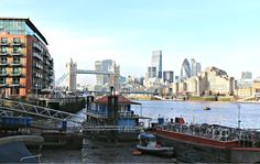 You probably know Southbank by heart, walked a hundred times between the London Eye and Tower Bridge. It seems to set an invisible border, make people turn back… Thames Path, London Eye, Tower Bridge, Surrey, Paths, New York Skyline, Travel, Viajes, Destinations