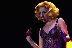 Lady Gaga Short Wavy Cut