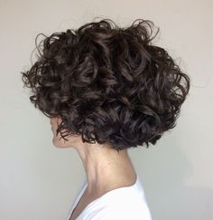 Good Images Scene Hair styles Popular Finding world hairstyles that appear cool. - Good Images Scene Hair styles Popular Finding world hairstyles that appear cool although not clich - Bob Haircut Curly, Choppy Bob Hairstyles, Haircuts For Curly Hair, Haircut For Thick Hair, Short Curly Bob, Ladies Hairstyles, Short Haircuts, Hairstyles 2018, Thick Curly Hair