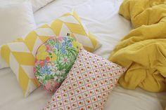 Coussin Tulipes disponible chez Mémé Ginette: http://memeginette.bigcartel.com
