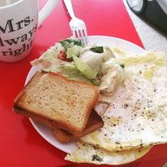 #Breakfast #glutenfree #glutenfrei #fitnessmeal #foodgasm #fitness #foodporn #healthyfood #lowcarb #protein #eatclean #kaylaitsines #kaylasarmy #bikinibodyguide  #bbgprogess #bbgDACH #bbgcommunity #bbggermany #bbg  #abgerechnetwirdamstrand #ilovepersonaltrainingarmy #ilovepersonaltraining #sizezeroarmy #sizezeromiezen #sizezero by shrishro