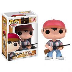Glenn, Carabine à la main, prêt à dégommer du zombie ! Rendez hommage à ce personnage plutôt courageux de The Walking Dead en plaçant sa figurine POP sur votre bureau ou votre étagère. Et pourquoi pas commencer une collection ?
