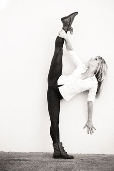 Beautiful tilt I cant wait untill I get my middle splits all the way.so I can make a perfect tilt Yoga Dance, Dance Moves, Dance Music, Ballet Dance, Dance It Out, All About Dance, Dance With You, Dance Like No One Is Watching, Dance Photos