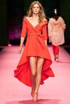 Fashion Week Milan Spring/Summer 2019 look 30 from the Elisabetta Franchi collection womenswear Women's Runway Fashion, Fashion Show, Fashion Outfits, Womens Fashion, Fashion Design, Milan Fashion, Fashion 2018, Coral Moda, Nice Dresses