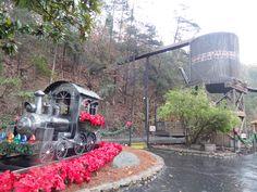 Smoky Mountain Christmas 2015 at Dollywood