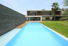 View full picture gallery of Planicie House II