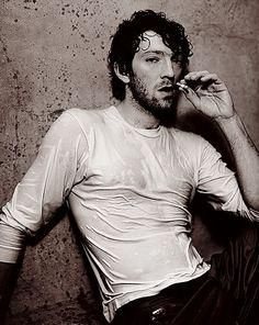 omg this picture of YOUNG VINCENT CASSEL MY HEART