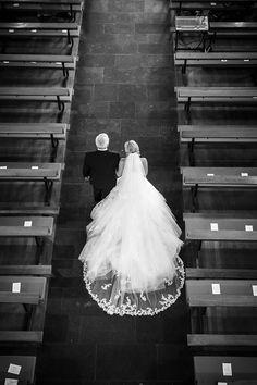 #Brautkleid #Braut #bridal #dress #bridaldress #Hochzeit #wedding #weddingdress - Das tolle Foto wurde gemacht von ROCKSTEIN fotografie: www.rockstein-fotografie.de