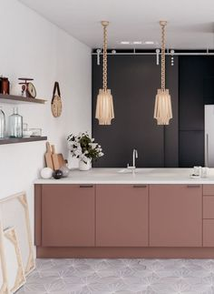 Home Interior Inspiration dusty pink cabinets black and white walls and exquisite pendant lamps create a sophisitcated look.Home Interior Inspiration dusty pink cabinets black and white walls and exquisite pendant lamps create a sophisitcated look Farmhouse Style Kitchen, Modern Farmhouse Kitchens, Black Kitchens, Rustic Kitchen, Cool Kitchens, Gold Kitchen, Pink Kitchen Walls, Pink Kitchens, Kitchen Lamps
