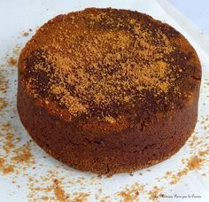 Le gâteau au yaourt et chocolat de Philippe Conticini Cupcakes, Cupcake Cakes, Chefs, French Macaroon Recipes, Just Desserts, Dessert Recipes, Desserts With Biscuits, Pastry Recipes, Chocolate Desserts