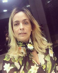 Hoje, foi dia de manutenção do cabelon com a @karinecostahair no @mulhercheirosaoficial - ❤️ #megahair #andreafialho #mulhercheirosa #cabelonovo