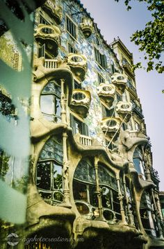 spain-barcelona Barcelona Spain, Travel Photography, Mansions, House Styles, Mansion Houses, Manor Houses, Fancy Houses, Palaces, Villas