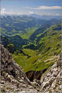Blick vom Säntis ins Toggenburg | View from Mount Säntis to the Toggenburg Valley