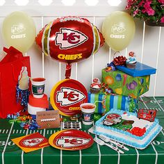 NFL Kansas City Chiefs Ultimate Party Pack 17 Birthday Board Stuff