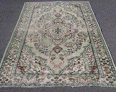 Vintage Turkish Carpets and Vintage Turkish Kilim by SILKROADRUGS Turkish Carpets, Aztec Rug, Bohemian Rug, Rugs, Vintage, Design, Home Decor, Farmhouse Rugs, Decoration Home