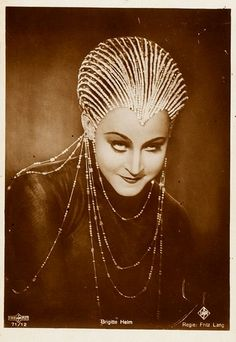 Brigitte Helm. Best creeper face ever. Metropolis (1927)