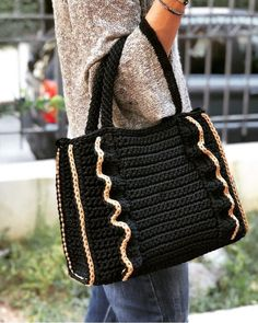 Super Crochet Purse And Bags Ideas Free Crochet Bag, Crochet Shoes, Diy Crochet, Crochet Bags, Crochet Handbags, Crochet Purses, Instyle Fashion, Foundation Single Crochet, Knitted Bags