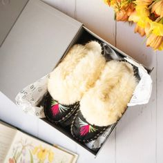 If you are looking for a lovely gift for a sister or a mother please check out our gift options! onaie.com #handmadewithlove #handmadeslippers #handcrafted #handmadegifts #makersgonnamake #madebyhand #makersgunnamake #handmadelife #buydifferently #interiordesign #homeinspo #favehandmade #instadaily #naturalslippers #instahome Sheepskin Slippers, Handmade Gifts, Kid Craft Gifts, Craft Gifts, Diy Gifts, Hand Made Gifts, Homemade Gifts