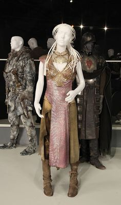 Daenerys Targaryen's costume with gold elements she wore in Quarth, from Game of Thrones