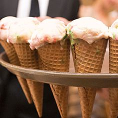 Ice cream cone wedding appetizers | Photography by Gina Leigh Photography