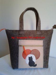 Ciao a tutti, il mio blog è nato dalla passione che ho sempre nutrito per le borse e, soprattutto, da quelle in feltro. Quindi ho pensato di creare questo tutorial come un piccolo suggerimento alle…